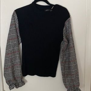 Puffed long sleeve sweater
